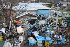 ゴミ屋敷の外観